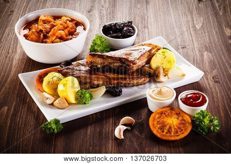 Roasted ribs with vegetables