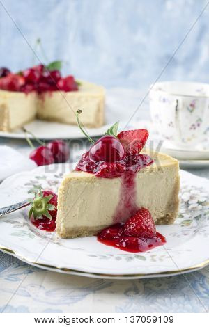 Cheesecake with Fresh Fruits