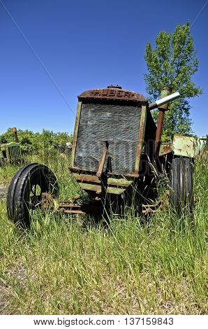BARNESVILLE, MINNESOTA, June 15, 2016:  The Huber tractor was produced from 1892-1942 by the Huber Manufacturing Company of Marion, Ohio