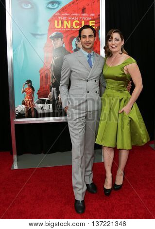 NEW YORK-AUG 10: Designer Zac Posen and actress Laura Michelle Kelly attend