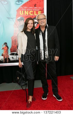 NEW YORK-AUG 10: Mick Jones (R) and Annabelle Dexter-Jones attend