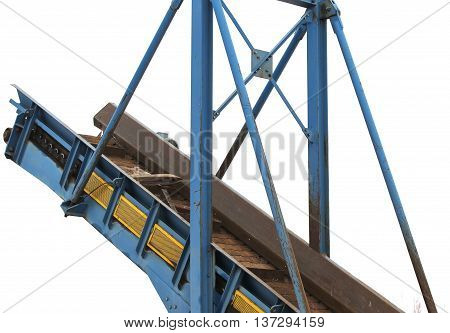 elevator to move the scrap metal and other materials