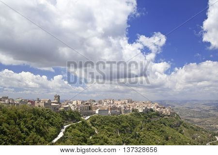 Enna is the highest Italian provincial capital (931 m above sea level)