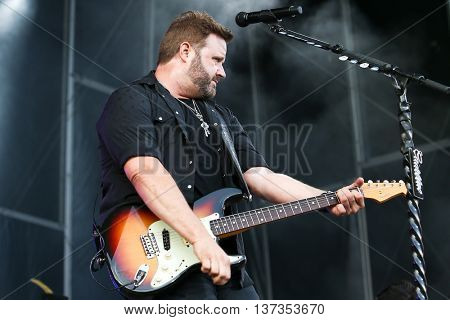 NASHVILLE-JUL 11: Country recording artist Randy Houser performs during Luke Bryan's 'Kick The Dust Up' Tour at Vanderbilt Stadium on July 11, 2015 in Nashville, Tennessee.