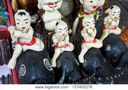Vietnamese puppets and toys in Vietnam market