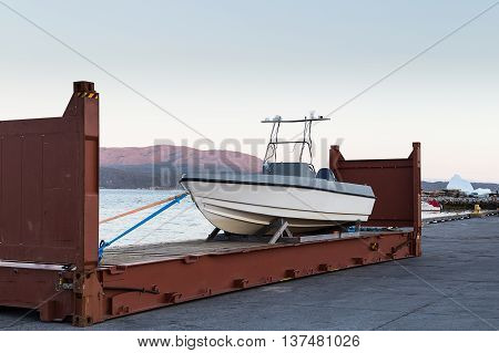 Trabsportation By Way To Shipping Boat In Containner.