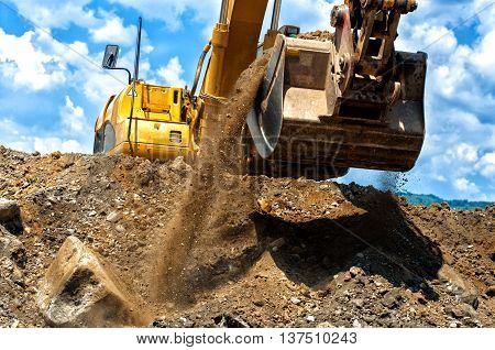Heavy Duty Construction Excavator Moving Earthl And Sand On Cons