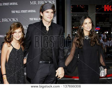 Tallulah Belle Willis, Ashton Kutcher and Demi Moore at the Los Angeles premiere of 'Mr. Brooks' held at the Grauman's Chinese Theater in Hollywood, USA on May 22, 2007.