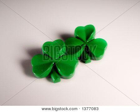 Plastic Green Clovers 1