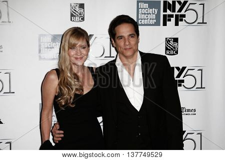 NEW YORK-SEP 27: Actor Yul Vasquez and wife Linda Larkin attend the premiere of