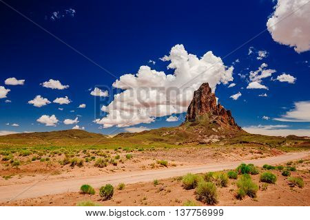 Agathla Peak, Highway 163, Arizona, Usa