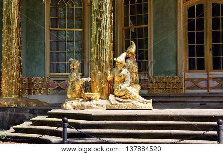Golden Statues In Front The Chinese House