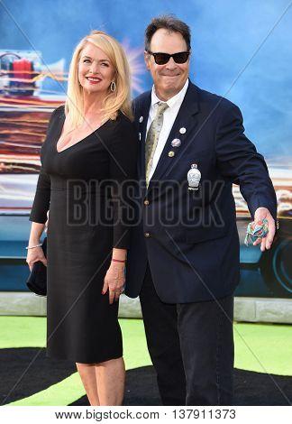 LOS ANGELES - JUL 9:  Dan Aykroyd & Donna Dixon arrives to the
