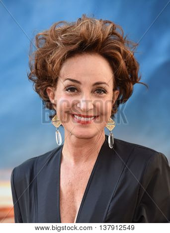 LOS ANGELES - JUL 9:  Annie Potts arrives to the