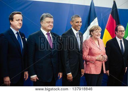 David Cameron, Petro Poroshenko, Barack Obama, Angela Merkel, Francois Hollande