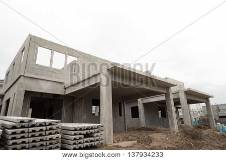 The building structure are made from prefabrication system.All pieces are made from high-strength concrete.Then assembled into a building.