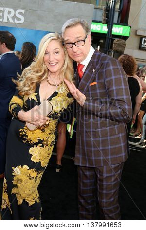 LOS ANGELES - JUL 9:  Laurie Karon, Paul Feig at the Ghostbusters Premiere at the TCL Chinese Theater IMAX on July 9, 2016 in Los Angeles, CA