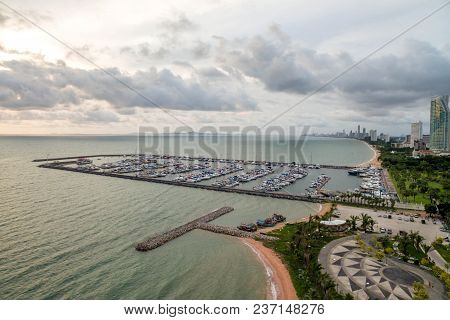 Topview Marine Station Luxury Yachts And Private Boats Seaport In Marine Station Complex , Pattaya C