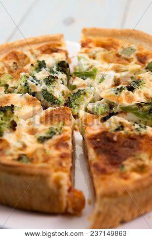 Broccli And Tomato Quiche A Homemade Broccoli Tomato And Cheese Quiche