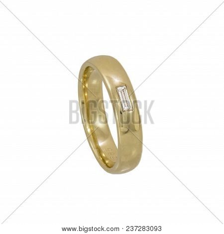 Ladies Ring The Clear Design Language, The Finest Yellow Gold In High-gloss Polish And A Beautiful H