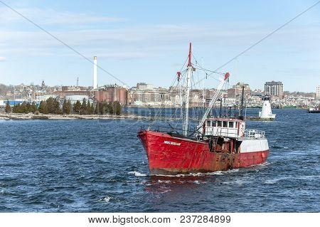 Fairhaven, Massachusetts, Usa - April 20, 2018: Commercial Fishing Vessel Michigan, A 1940s Era Stee