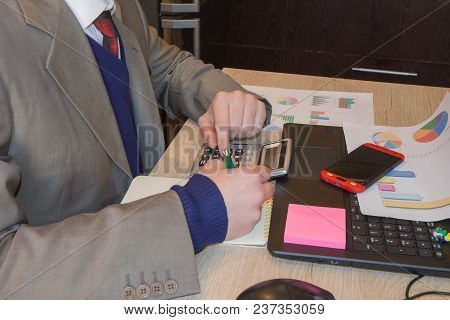Administrator Financial Inspector And Secretary Making Report, Calculating Or Check Balance. Interna