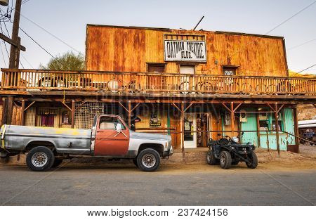 Oatman, Arizona, Usa - December 28, 2017 : Gif Shop In Oatman On The Historic Route 66. This Former