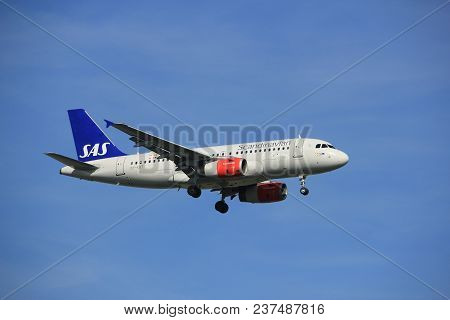 Amsterdam The Netherlands - April, 19th 2018: Oy-kbt Sas Scandinavian Airlines Airbus A319-100 On Fi