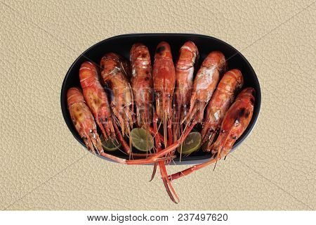 Isolated Of Ready Streamed Large Fresh Prawns  Served On Korean Plate.