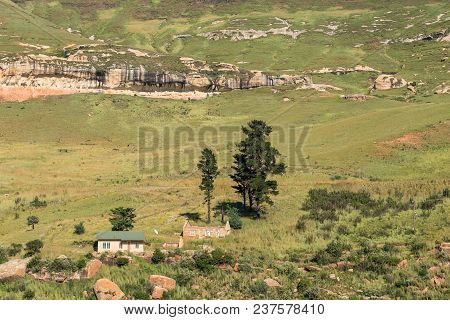 Golden Gate Highlands National Park, South Africa - March 14, 2018: A House And A Ruin In Golden Gat