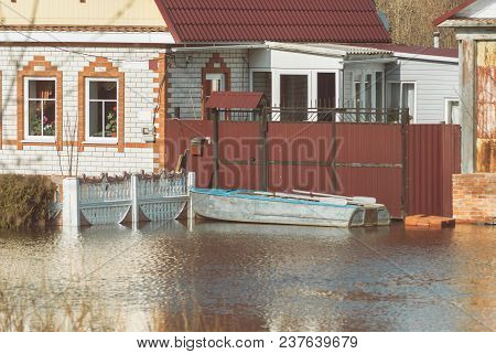 Russia, Balashov April 14, 2018. Private Houses Sunken Underwater Flooded During The Spring Flood Fl