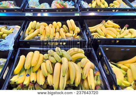 Basingstoke, Uk - August 7 2017: Bananas For Sale In A Supermarket Fruit Section