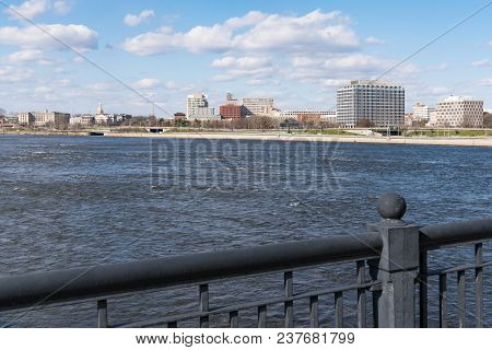 Trenton, Nj - April 5, 2018: Skyline And Capitol Building Of Trenton, New Jersey Across The Delaware