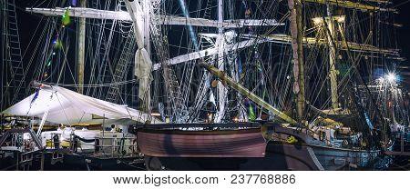 Illuminated Ship - Night On The Sailing Ship