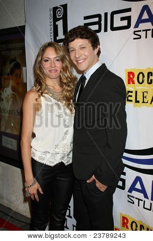 LOS ANGELES - SEPT 22:  Brooke Nevin, Gabriel Sunday arriving at the premiere of