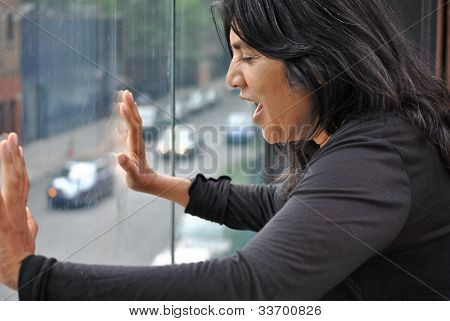 woman, scared, screaming