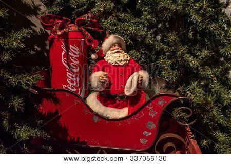 Orlando, Florida . November 22, 2019. Vintage Cocacola Santa Claus At Seaworld 2