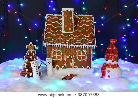 The Hand-made Eatable Gingerbread House, Marshmallow Snowman,  New Year Tree, Snow Decoration, Garla