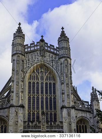 Bath, Somerset, Uk - December 1: Bath Abbey On 1 December 2019 In Bath, Somerset, United Kingdom