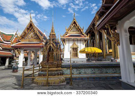 Royal Grand Palace In Bangkok Thailand And Wat Phra Kaew (temple Of Emerald Buddah)