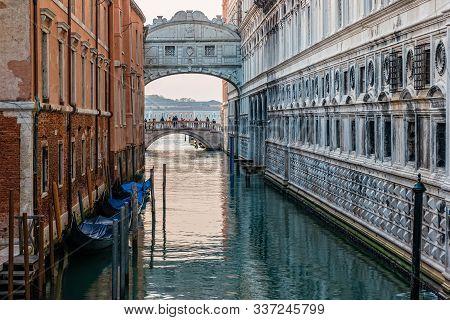Ponte Dei Sospiri (bridge Of Sighs) In Venice, Italy.