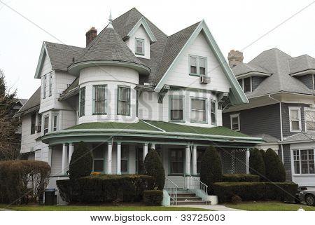 Victorian House (pre-1990)