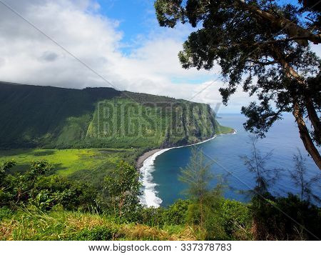 Waipiʻo Valley Lookout View During The Day.  Located On The Northern Hamakua Coast, The Sacred Waipi