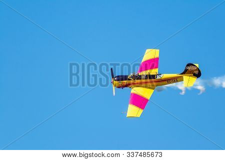 Cadiz, Spain-sep 14: Aircrafts Of The Acrobatic Patrol Jacob 52 Taking Part In An Exhibition On The