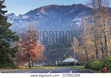 Snow And Wintery Weather In The Cascade Mountains Bonneville Oregon.