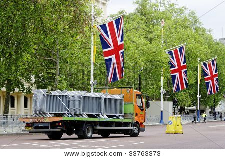 LONDON, UK - JUNE 1: Preparation and decoration of the Mall and Buckingham Palace for the Queen's Diamond Jubilee on June 1, 2012 in London. The main events will take place from June 2 until June 5.