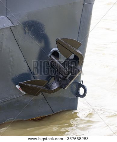 Ship Anchor In The Nasal Cleft
