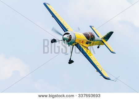 Cadiz, Spain-sep 09:  Ramon Alonso On His Sukhoi 31 Taking Part In An Exhibition On The 5th Airshow