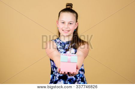 Kid Girl Delighted Gift. Girl Adorable Celebrate Birthday. Kid Happy Loves Birthday Gifts. Shopping