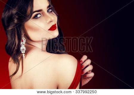 Beautiful Luxury Woman With Jewelry, Earrings. Beauty And Accessories. Sexy Brunette Girl With Big R